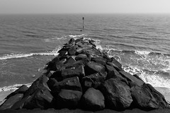 (ihavenowords) Tags: canon eos 400d eos400d sea seaside beach coast coastal defences groyne waves southwold suffolk uk england resort holiday 9 9th april 2017