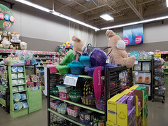 Baskets... (Nicholas Eckhart) Tags: america us usa ohio oh 2017 retail stores sandusky kroger supermarket krogermarketplace marketplace easter display