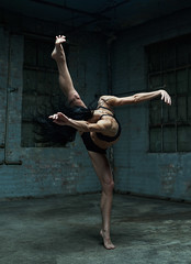 Anton Martynov PHOTOGRAPHY (Sneaky Russian) Tags: dance dancer girl woman nyc newyork photoshoot photo model fitness muscles fit anton martynov photography photographer contemporary ballet