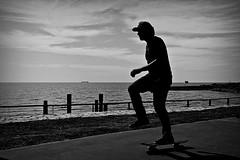 Skater (Wal Wsg) Tags: skater skate canoneosrebelt3 costanera