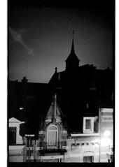 P44-2017-029 (lianefinch) Tags: argentic argentique monochrome blackandwhite blackwhite noirblanc noiretblanc bw urbain urban brussels bruxelles belgium belgique belgïe