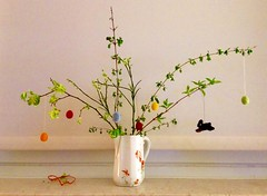 Happy Easter (cu♥re di marmo) Tags: easter branches felteggs vase