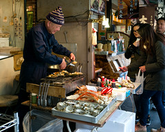 Tokyo50-48 (Diacritical) Tags: japan tokyo tsukiji food street april32017 leicacameraag leicamtyp240 summiluxm11435asph f28 ¹⁄₂₅₀sec centerweightedaverage