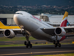 EC-MKJ (wittowio) Tags: spotting aviation a330 iberia airbus airliner mroc