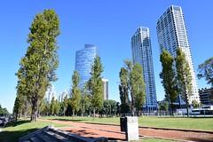 Puerto Madero (pepelara56) Tags: edificio edificios ciudad árboles plaza diáfano