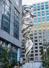 she's coming out (pbo31) Tags: sanfrancisco california nikon d810 color april 2017 spring boury pbo31 missionstreet soma tenderloin venus giant art sculpture courtyard silver civiccenter statue shine