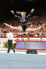 DU Gymnastics - Julia Ross (brittanyevansphoto) Tags: collegegymnastics ncaagymnastics denvergymnastics floorexercise straddle straddlejump popa