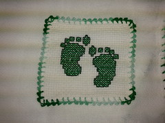 Fralda de Boca - Pezinhos F008 (SaluArts) Tags: de pano cruz infantil beb boca ponto paninho fralda fraldinha enxoval