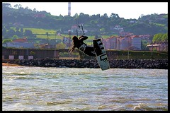 Arbeyal 04-Marzo 2014 (26) (LOT_) Tags: kite sport switch waves wind photos pics lot asturias kiteboarding kitesurfing tricks nitro kitesurf gijon jumps element controller2 switchkite nitro3