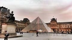 Cours du Louvre 20140420 (isabella.cabre) Tags: voyage travel sunset paris france cityscape pyramid landmark bluehour lelouvre thebluehour