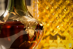 Liquor Atmosphere (BS_Photographie) Tags: irish mist bar butterfly bottle wine background liquor alcool alcohol whisky vin flou irlande liqueur irlandais arrièreplan