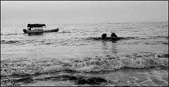 IMG_1275 (RSHooo21) Tags: ماء بحر اليمن مياه ابيض واسود احادي