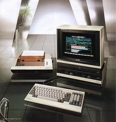 (vazetti) Tags: computer pc 1982 keyboard technology sharp 80s homecomputer sharpx1