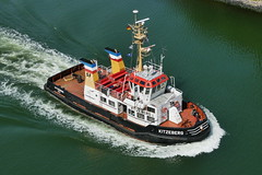 P1620836 (Lumixfan68) Tags: und ships shipping kiel schiffe schlepp sfk hafenschlepper fährgesellschaft seeschlepper kitzeber