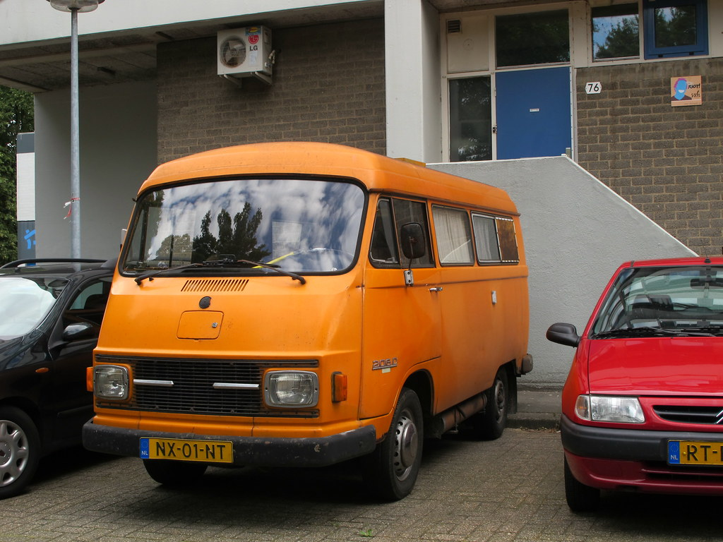 The world 39 s best photos of 206d and mercedes flickr hive for Mercedes benz campervan usa