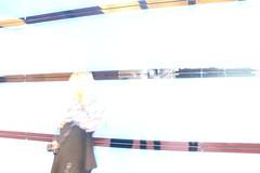 blue box überbelichtet (corinnahuber85) Tags: gasteig deutsches museum gleis brücke brille obst gast auto zucker liebe spirituosen glas licht hand abstrakt blau laufen fotografieren alkohol weinglas bar nudeln bunt verwischt zoom