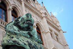 Kossuth Lajos tr (maketelodicoafare) Tags: budapest leone statua viaggio vacanze parlamento