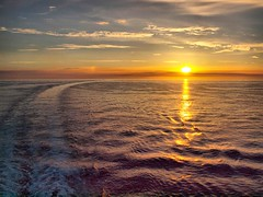 Solent Sunset Portsmouth (saxonfenken) Tags: solent sunset sea challengefactoryunam reflection challengeyouwinner cyunanimous herowinner pregamewinner gamewinner bigmomma gamex2 yourock challengewinner perpetual 6955sun 6955 thumbsup f friendlychallenges