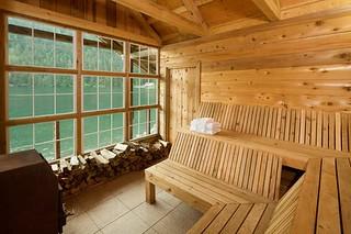Alaska Salmon Fishing Lodge - Luxury 49