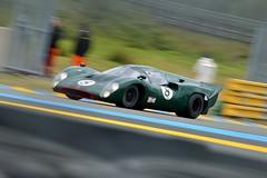 Lola T70 MkIII B, Le Mans Classic 2014 (Thibault Gaulain) Tags: b france classic rain night nikon lola pluie racing mans le nuit lemans v8 v10 v6 v12 2014 mkiii t70 nikond3200 d3200 lemansclassic2014