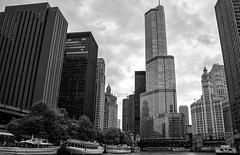 Skyline B&W Vhicago Illinois USA (M&M_Photography) Tags: chicago tower building architecture river trump illinois usa travel city tourism picture photo foto bnw blackwhite bw boats