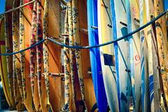 Surfboards on Waikiki Beach (Michael Riffle) Tags: surfboard hawaii waikiki waikikibeach beach vintage 2017 honolulu michaelriffle surfing sunny