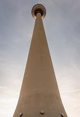 Fernsehturm (Andie Wandsch) Tags: fernsehturm alex alexanderplatz berlin sky wolken