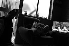 muerte de un socialista (pepe amestoy) Tags: blackandwhite indoor fujifilm xe1 voigtländer color skopar 421 vm leica m mount