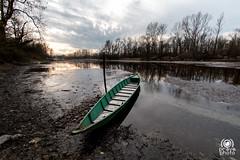 Lancia di Bernate (andrea.prave) Tags: bernate ticino parcodelticino valledelticino river fiume lanca lombardy lombardia nature natura naturaleza boat barca lancia ragondin