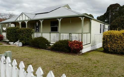 83 Martin Street, Tenterfield NSW
