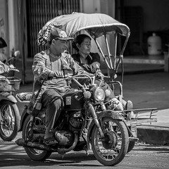 Street scene, Paksé, Laos (pas le matin) Tags: people monochrome bw nw blackandwhite noiretblanc street rue candid laos lao asia asie southeastasia world trael ville city motorbike moto transport canon 7d canon7d canoneos7d eos7d paksé pakse pakxe