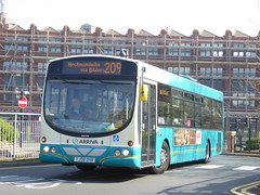 Arriva Yorkshire 1110 YJ08 DVR on 209, Leeds Bus Stn (sambuses) Tags: arrivayorkshire 1110 yj08dvr