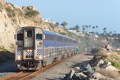 AMTK 785 @ San Clemente, CA (Mathieu Tremblay) Tags: sanclemente california unitedstates amtk amtrak railroad railway chemin fer surfline train 785 pacific surfliner beach palmtree surfer surfboard cab car sony a77 sal70300g 6907