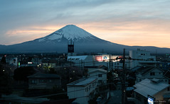 Fuji (Anita Pravits) Tags: dämmerung fudschijama fuji fujisan fujiyama gotemba honshū japan mountfuji nihon nippon panorama vulkan dawn volcano vulcano 富士山 shizuoka