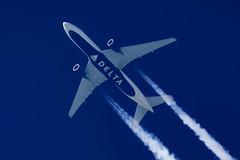 Delta Air Lines Boeing 777-232(ER) N864DA (Thames Air) Tags: delta air lines boeing 777232er n864da contrails telescope dobsonian overhead vapour trail