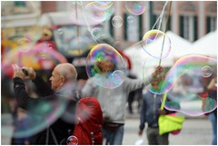 bolle nelle bolle (Photo Luc@) Tags: canon 6d sigma street allaperto bolle color genova