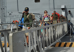 The Kaufman family disembarks  USS Vandegrift. (Official U.S. Navy Imagery) Tags: unitedstates sandiego calif