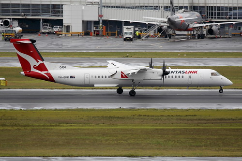 Qantaslink (Sunstate Airlines) De Havilland Dash 8 (VH-QOM)