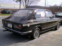 1972 BMW 2000 Touring (splattergraphics) Tags: 2000 bmw 1972 touring carshow bmw2000 huntvalleymd worldcars huntvalleytownecentre huntvalleyhorsepower