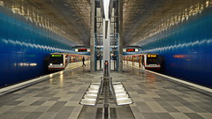 u4 (micagoto) Tags: station publictransportation metro space empty hamburg platform ubahn hh hvv u4 haltestelle hafencity hochbahn explored überseequartier