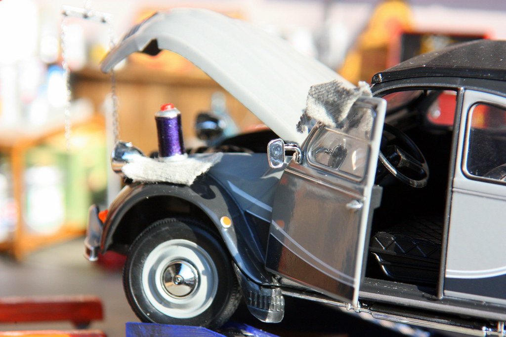 The world 39 s best photos of 2cv and diorama flickr hive mind - Garage miniature citroen ...