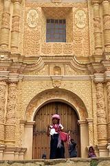 Chiapas-Personajes (jaropi) Tags: indígenas méxico sancristobaldelascasas chamulas templodesantodomingo vendedorescallejeros estadodechiapas