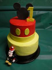 Mickey Twin (GRAMPASSTORE) Tags: cakecakescupcake mickey mouse fondant figure cupcakeslagrangegrampasgrandpasstorebirthdayboysgirlscookiecookiesfavorbabyshowerbaptism1stholidaywedding minnie birthday cake cakes theme hello kitty 60525