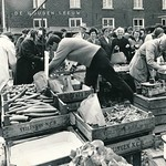 "Weekmarkt (Gouden Leeuw) <a style=""margin-left:10px; font-size:0.8em;"" href=""http://www.flickr.com/photos/99860362@N04/14185748908/"" target=""_blank"">@flickr</a>"