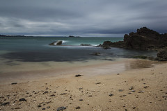 Plage de Saint-Malo (leblogdedenis) Tags: longexposure mer bretagne breizh plage saintmalo bzh poselongue poselente