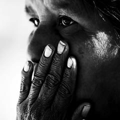 Tensin (Memo Vasquez) Tags: portrait bw face sonora mexico hand retrato cara mano rostro tensin bwportraits memovasquez