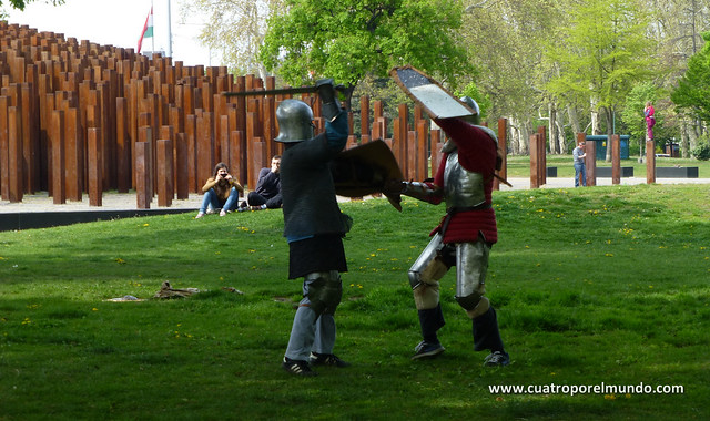 Pelea medieval en el parque de Varosliget