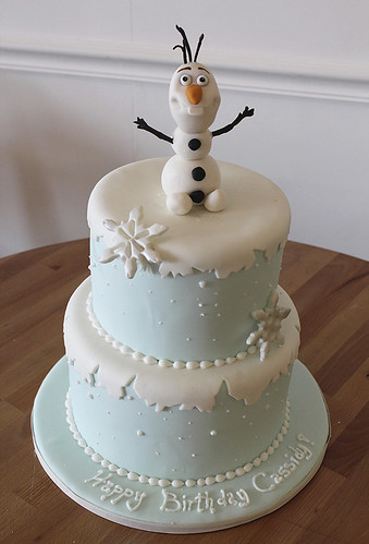 Frozen Olaf Winter Cake