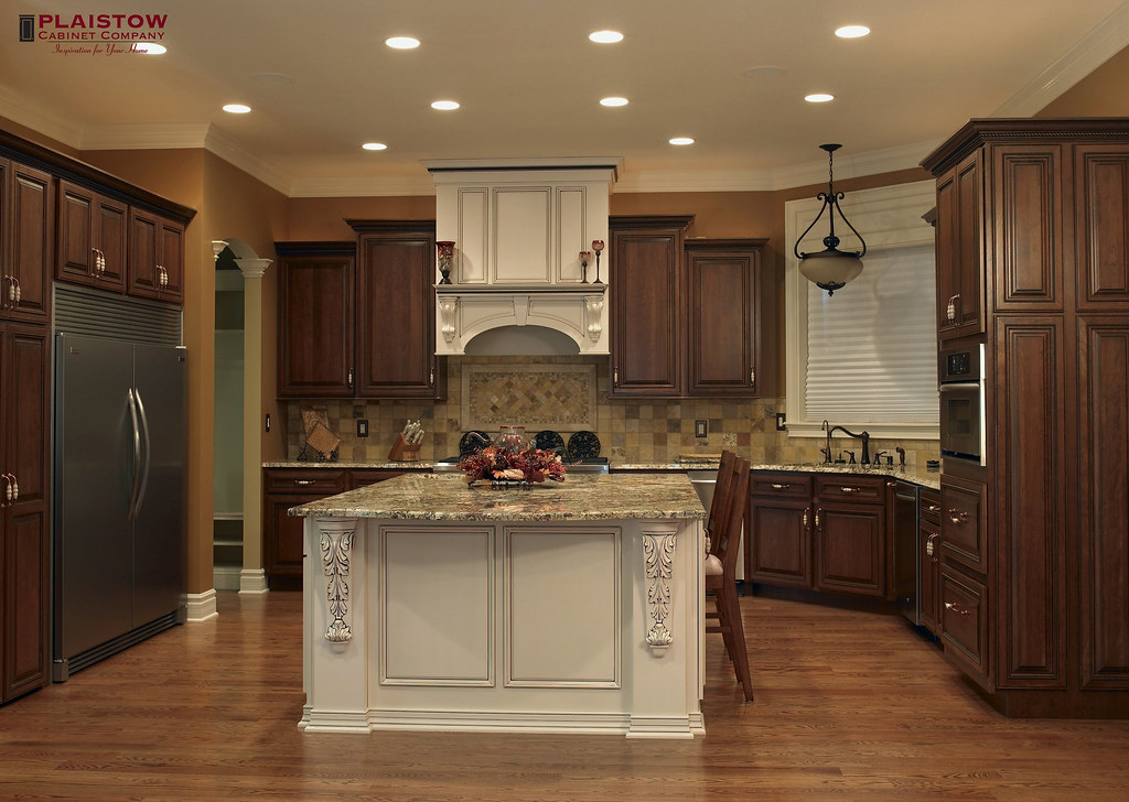 Plaistow Cabinet Company   Classic Kitchens (@Elmwoodkitchens) Tags:  Classic Beautiful Farmhouse Islands