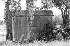 Bauwagen (my14all) Tags: landscape blackwhite bauwagen schwarzweis wolkenlandschaft
